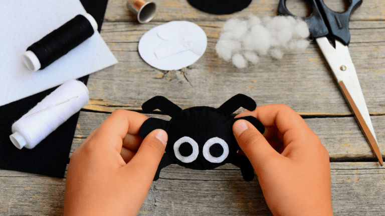 Halloween Crafts and Treats Round-Up