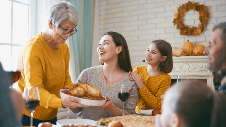 How to Manage Relatives' Expectations This Holiday Season