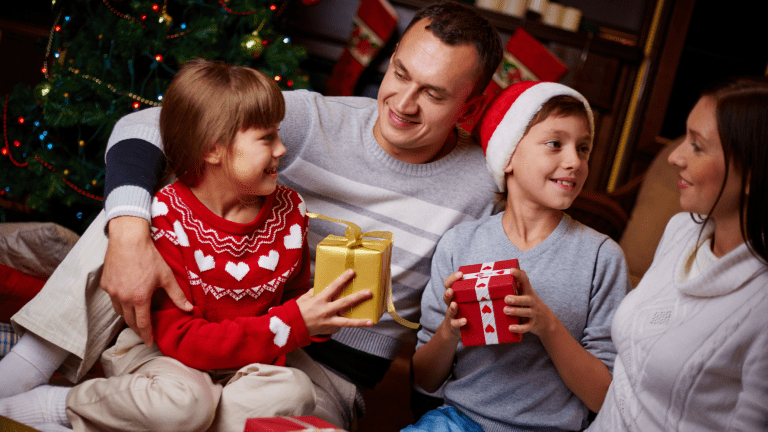 How to Find Holiday Cheer in the Age of Covid