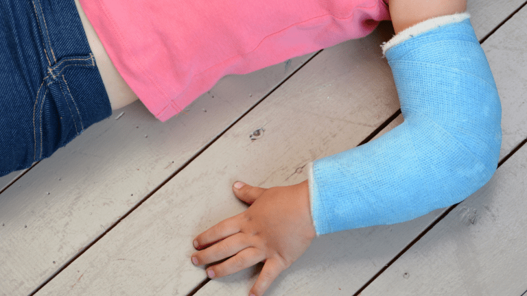 Fashionable and Fun Ways to Cover a Cast