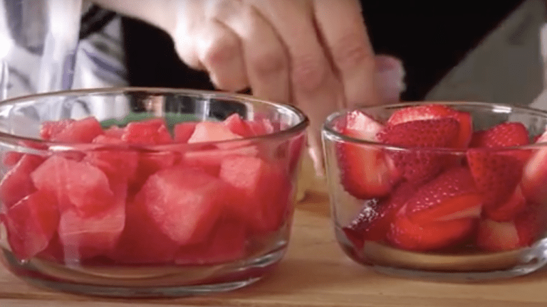 How to Make Your Own Watermelon & Strawberry Popsicles