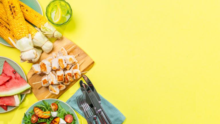 Outdoor Dining Summer Life Hacks using Aluminum Foil