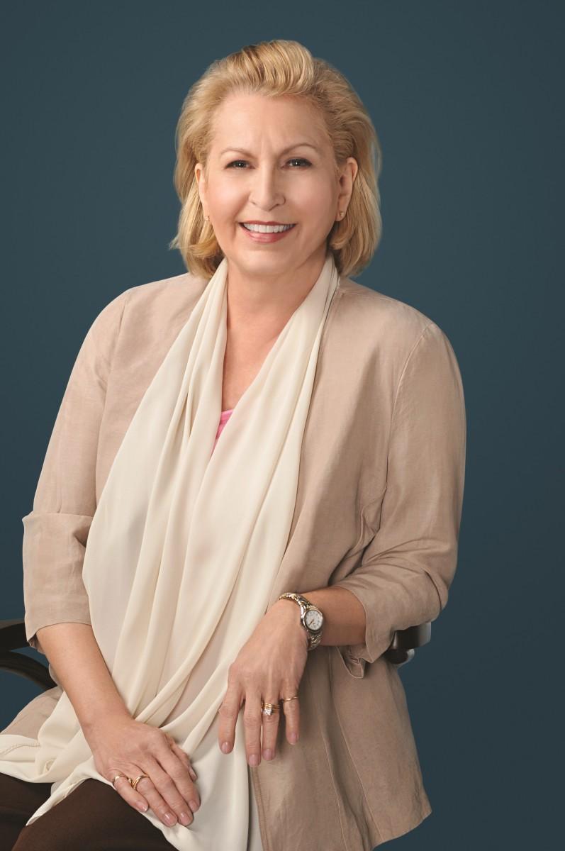 New York Times Bestselling Author Linda Howard