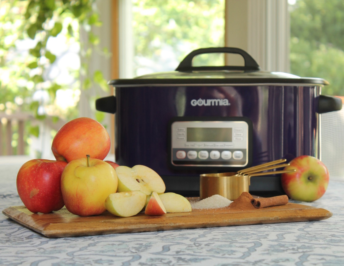 slow cooker apples, gourmia, slow cooker apple recipes, apple recipes, easy apple recipes, apple crisp, apple sauce, apple cider, spiked apple cider, easy apple recipes, apple picking, hot apple recipes