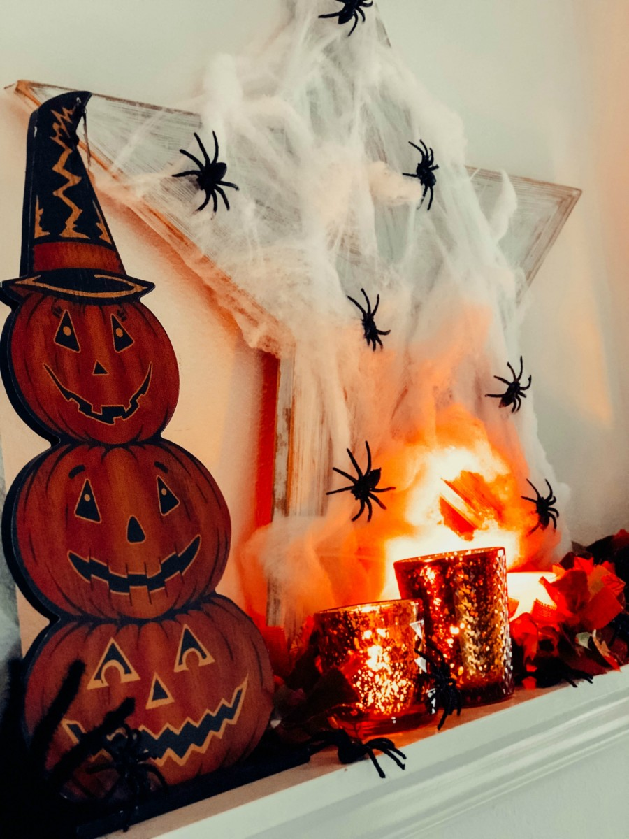 spooky halloween mantel decorations
