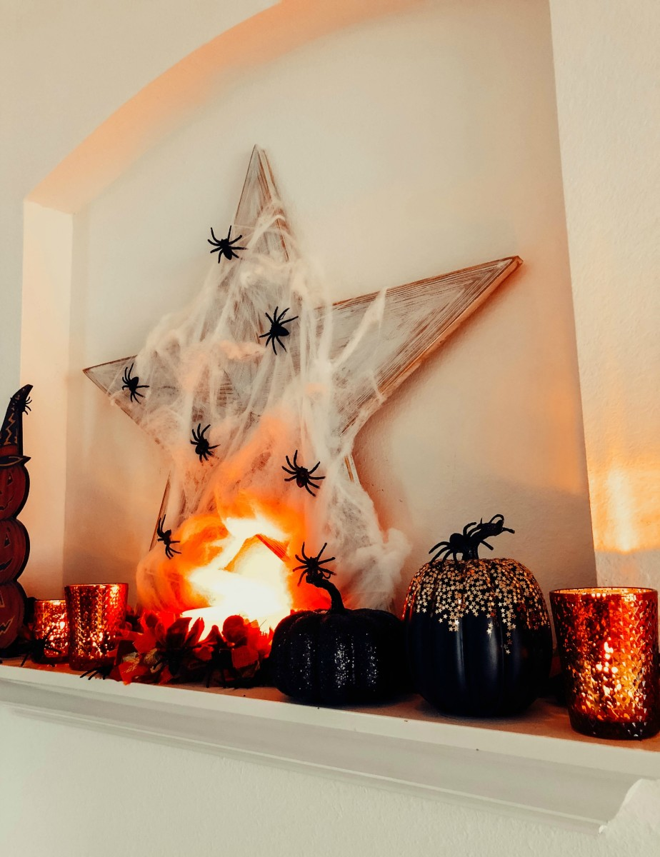 spookiest halloween mantle