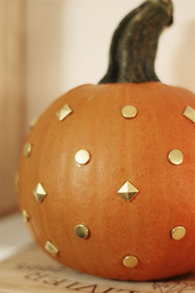 pumpkinstuds