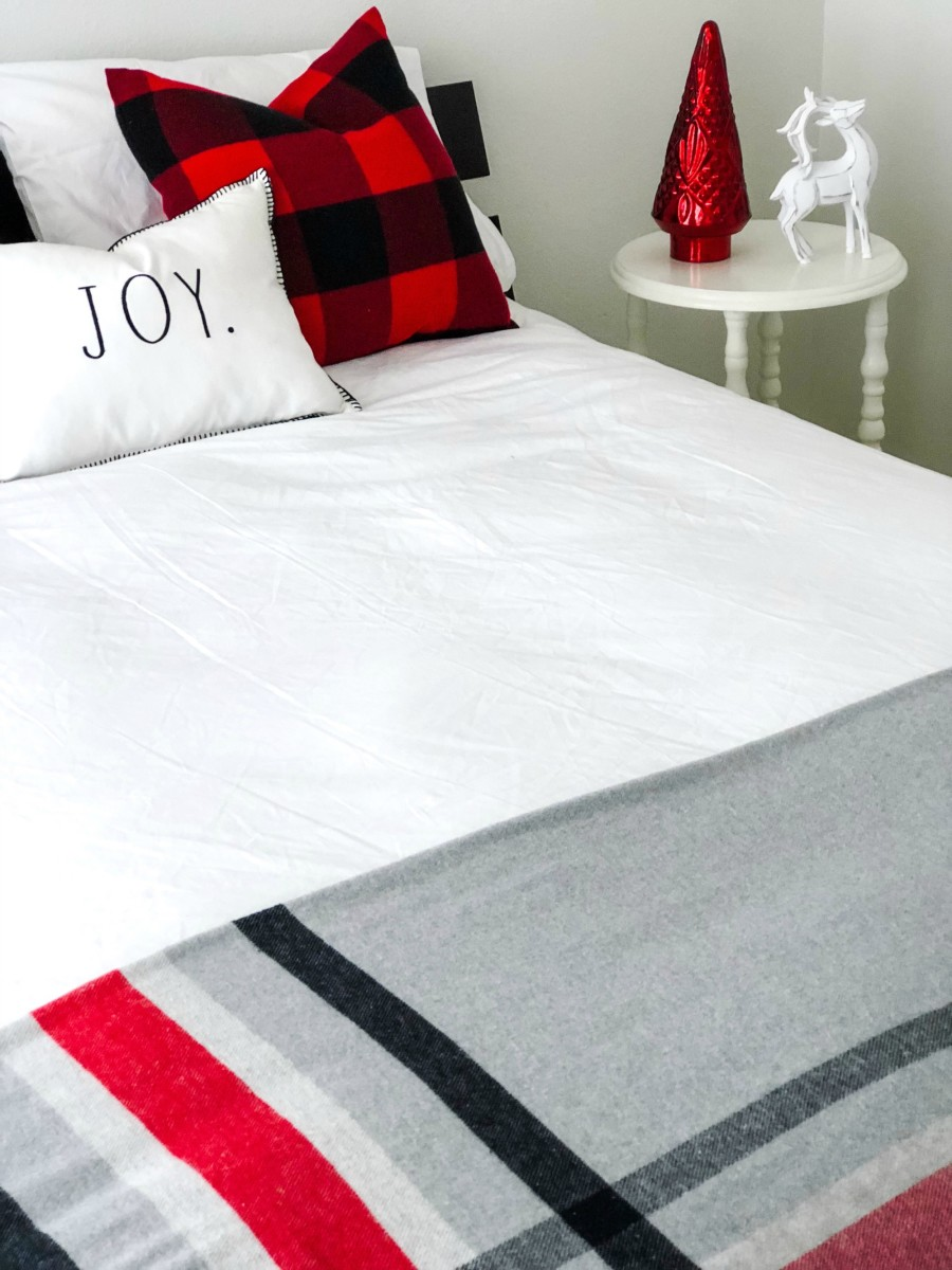 ways to get your guest room ready for the holidays