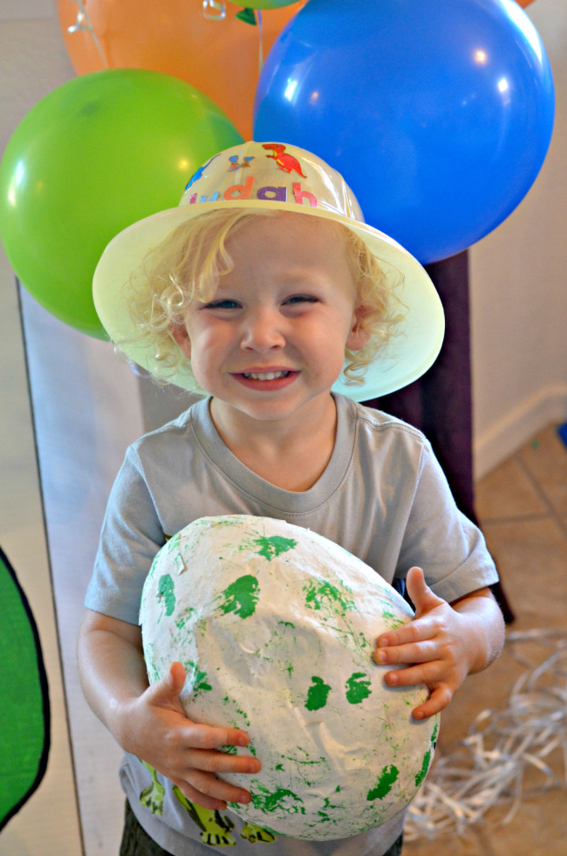 How to Throw a Totally Dino-Mite Dinosaur Party