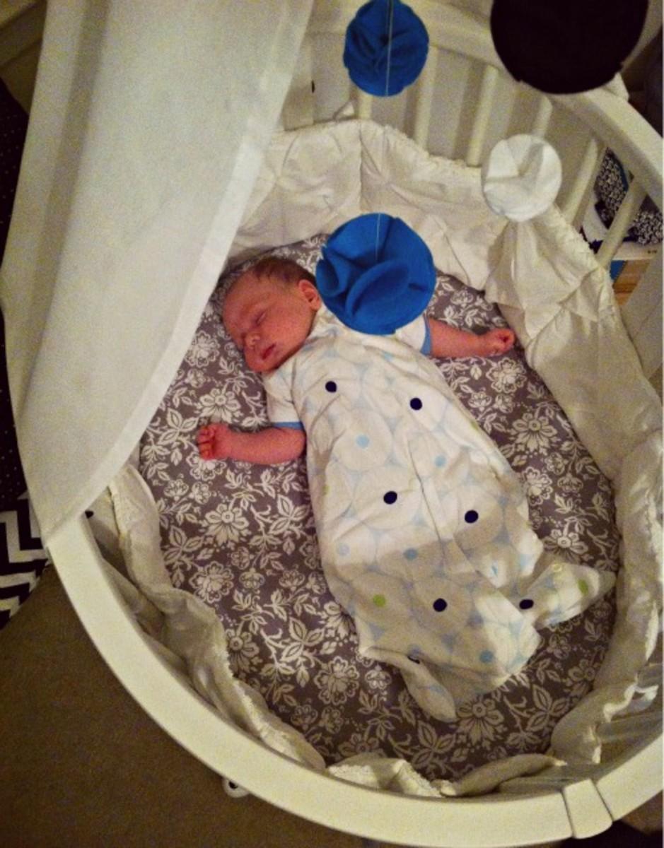 baby sleeping in stokke sleepi mini
