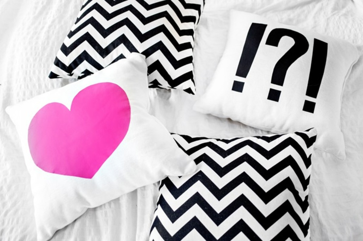 Heart and Punctuation DIY Pillow 2