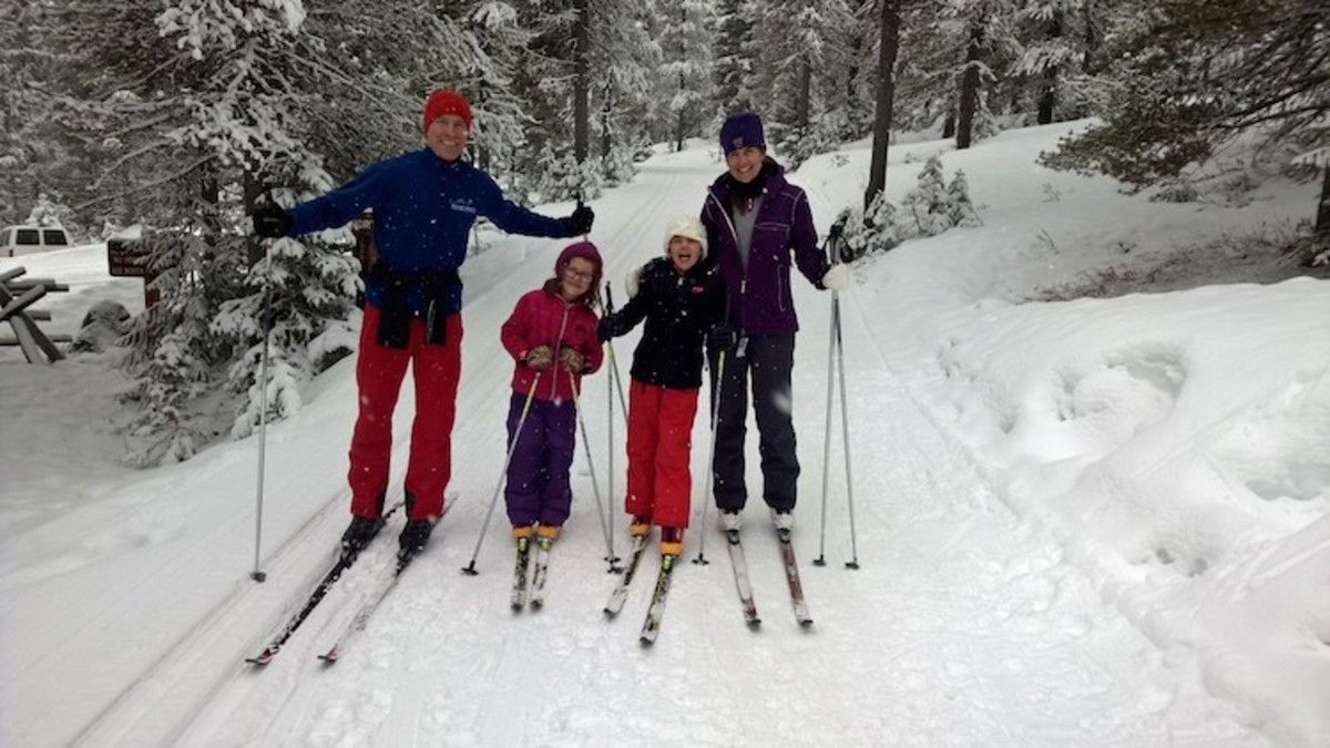 Family cross country ski fun