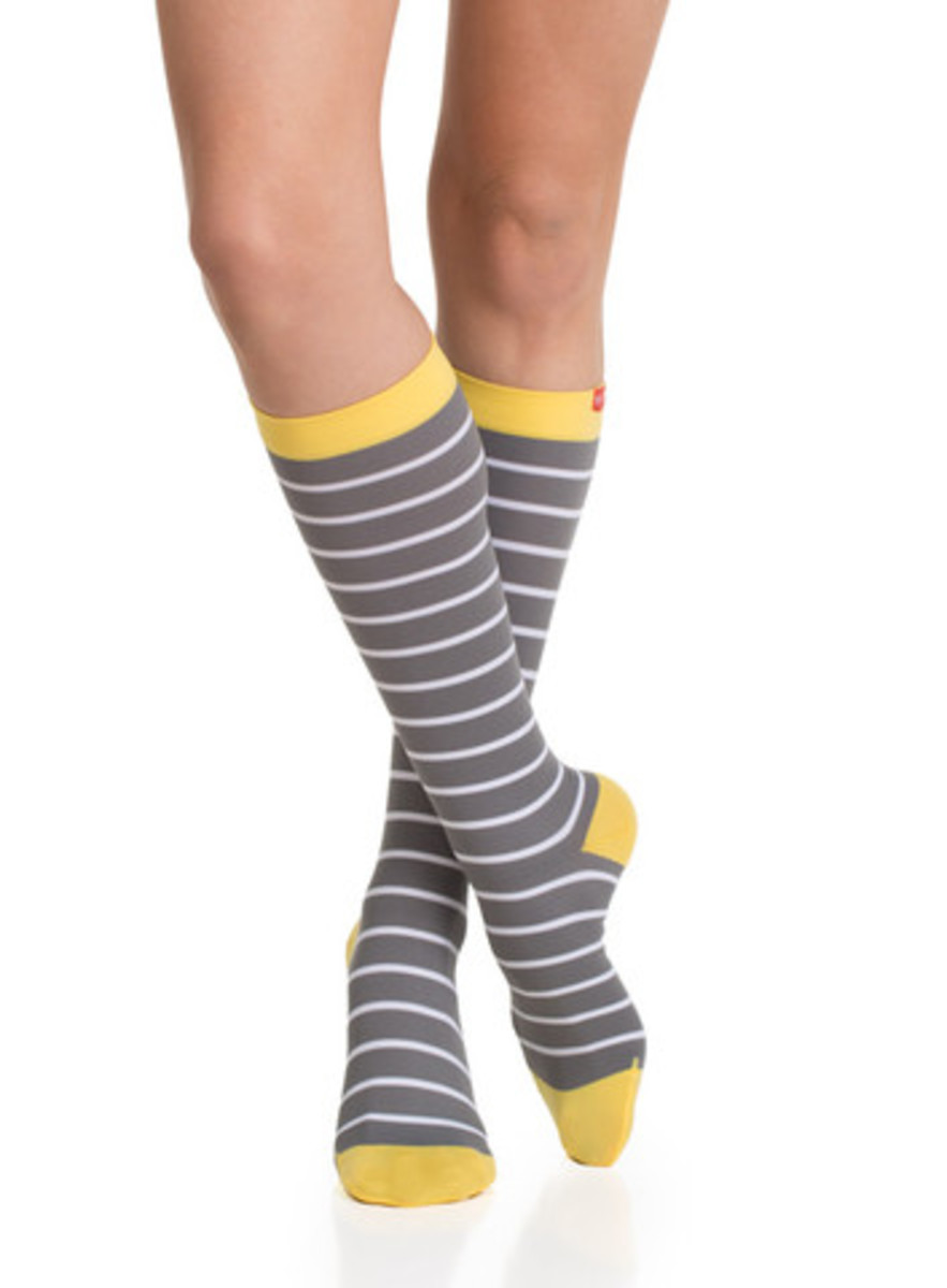 15-20_Women_s_Compression_Socks_Grey_White_2_large