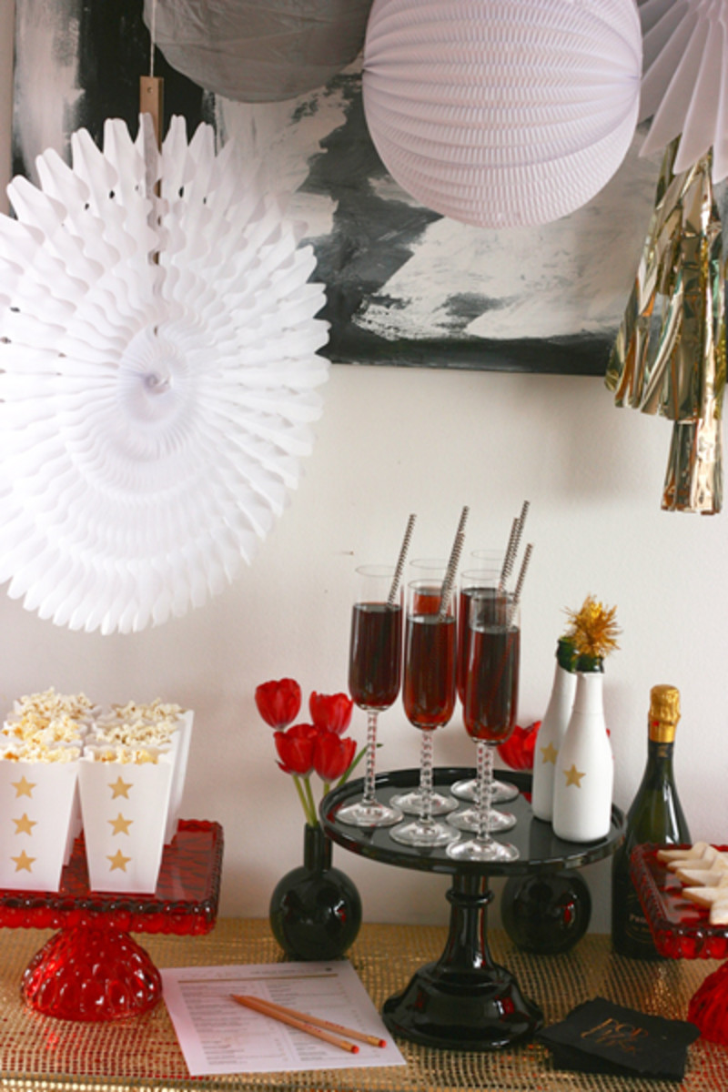 Red Carpet Party: Popcorn and Prosecco - MomTrends