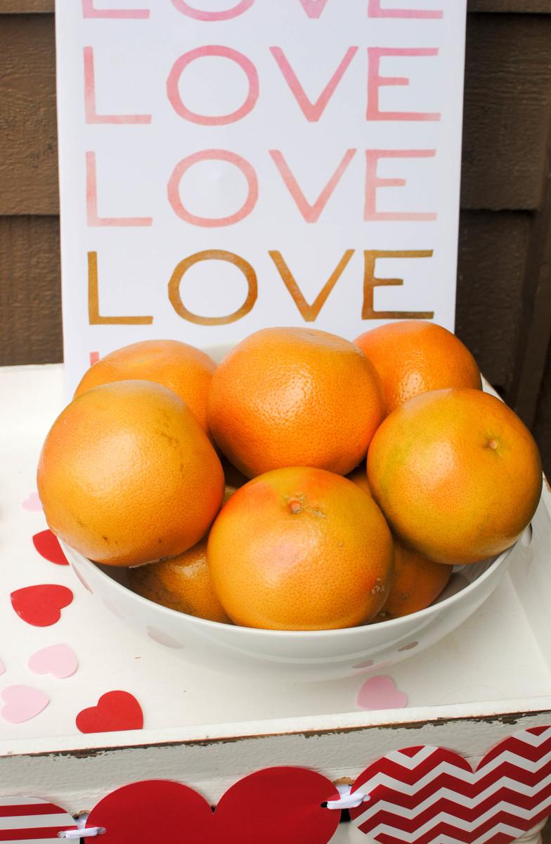 grapefruit in bowl _