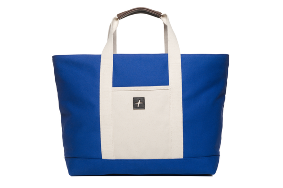 Jefferson-Tote-Regatta-Blue-Canvas-1_grande