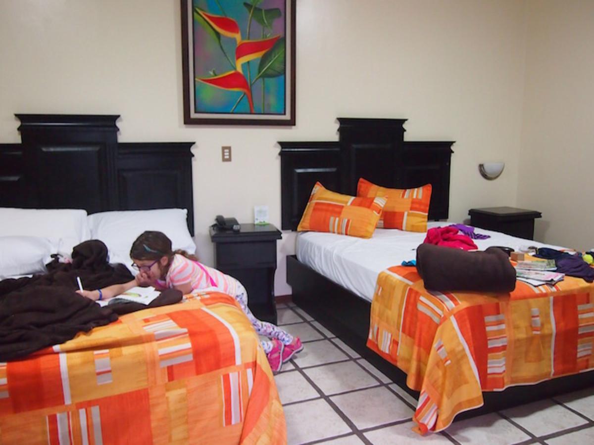 hotel arenal monoa