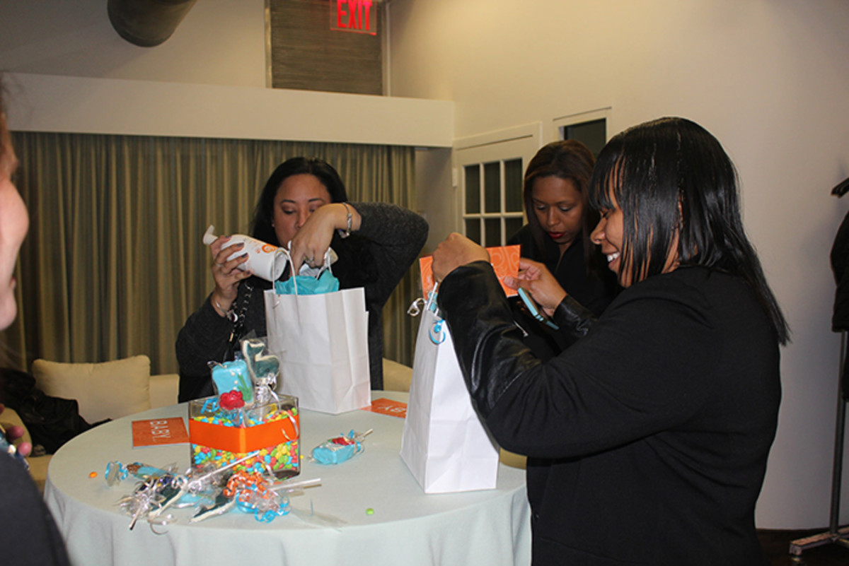 acure gift bag