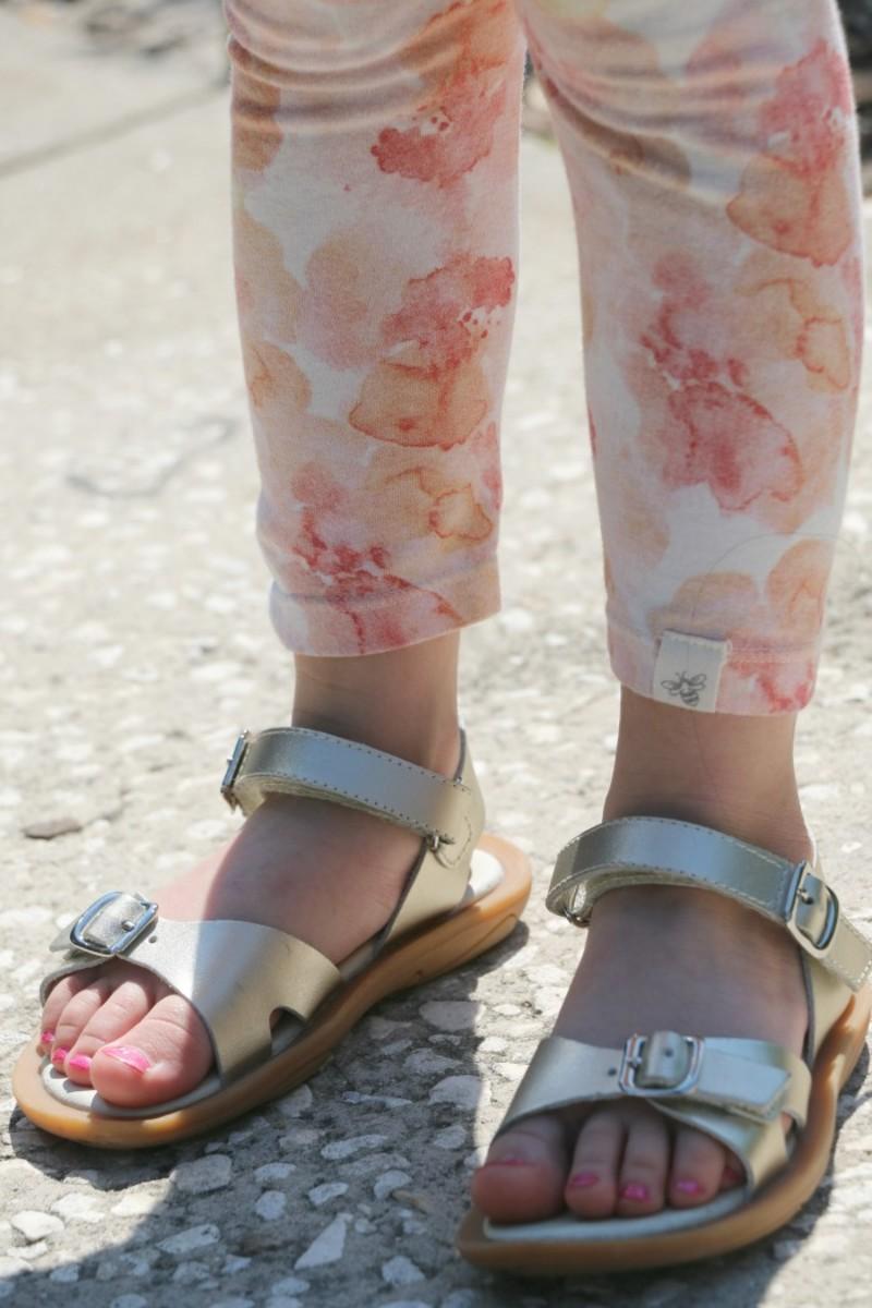 umi sandals