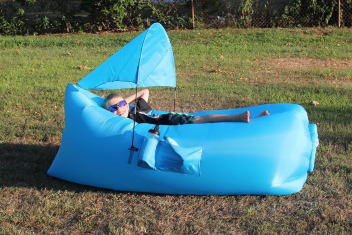 pouchcouch, inflatable couch, portable couch, lightweight no pump lounger