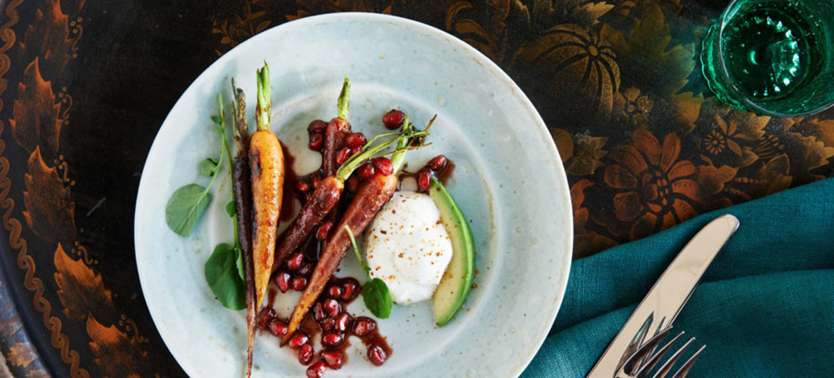 Grilled Carrots with POM-Curry Barbecue Sauce, Yogurt and Avocado
