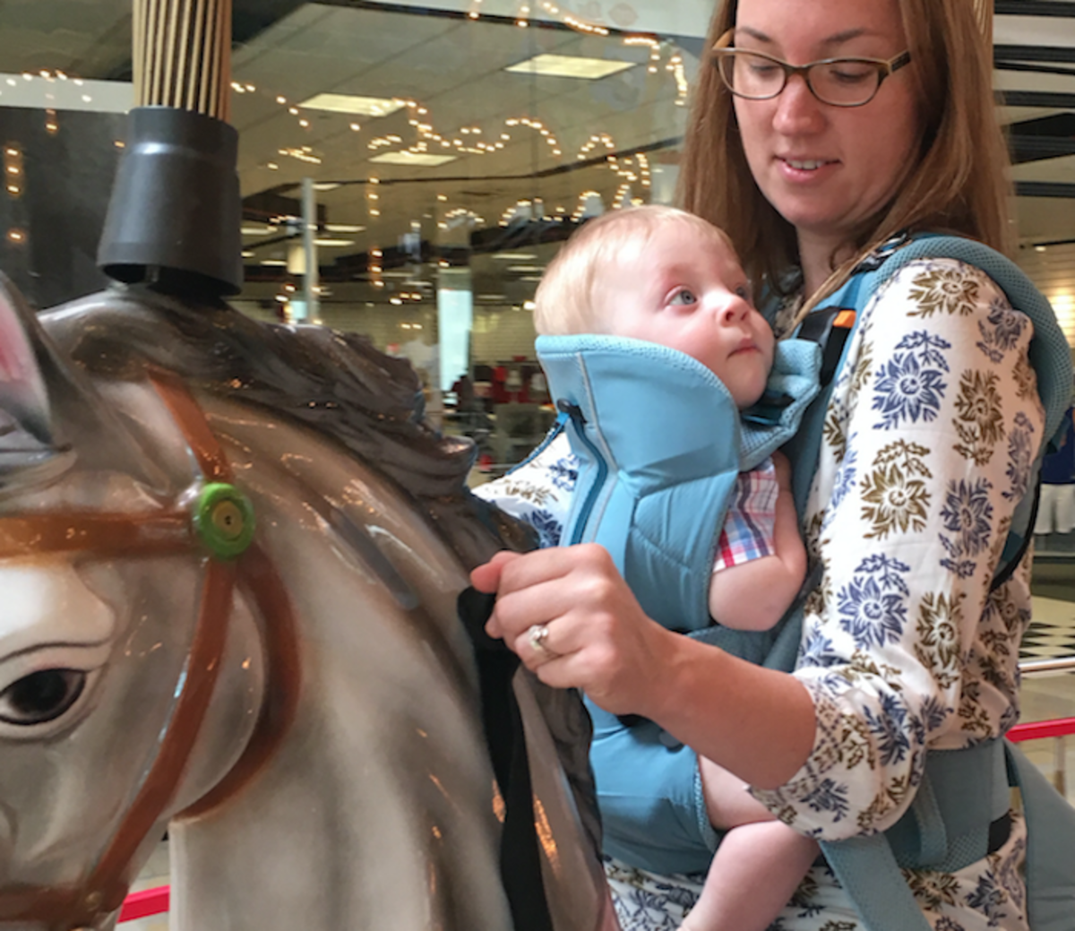 baby bjorn carousel baby