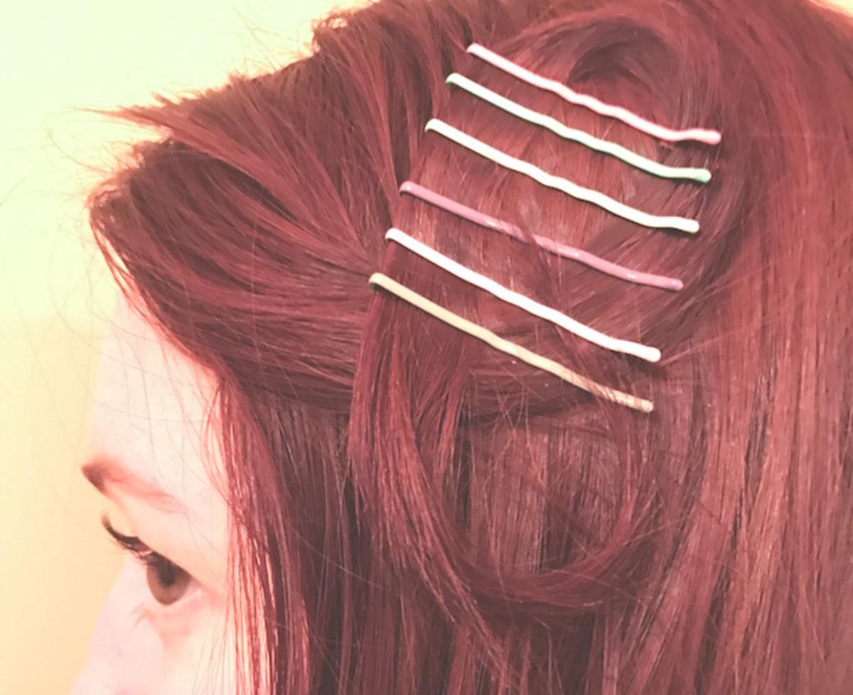 easy-hair-style-bobby-pin-diy