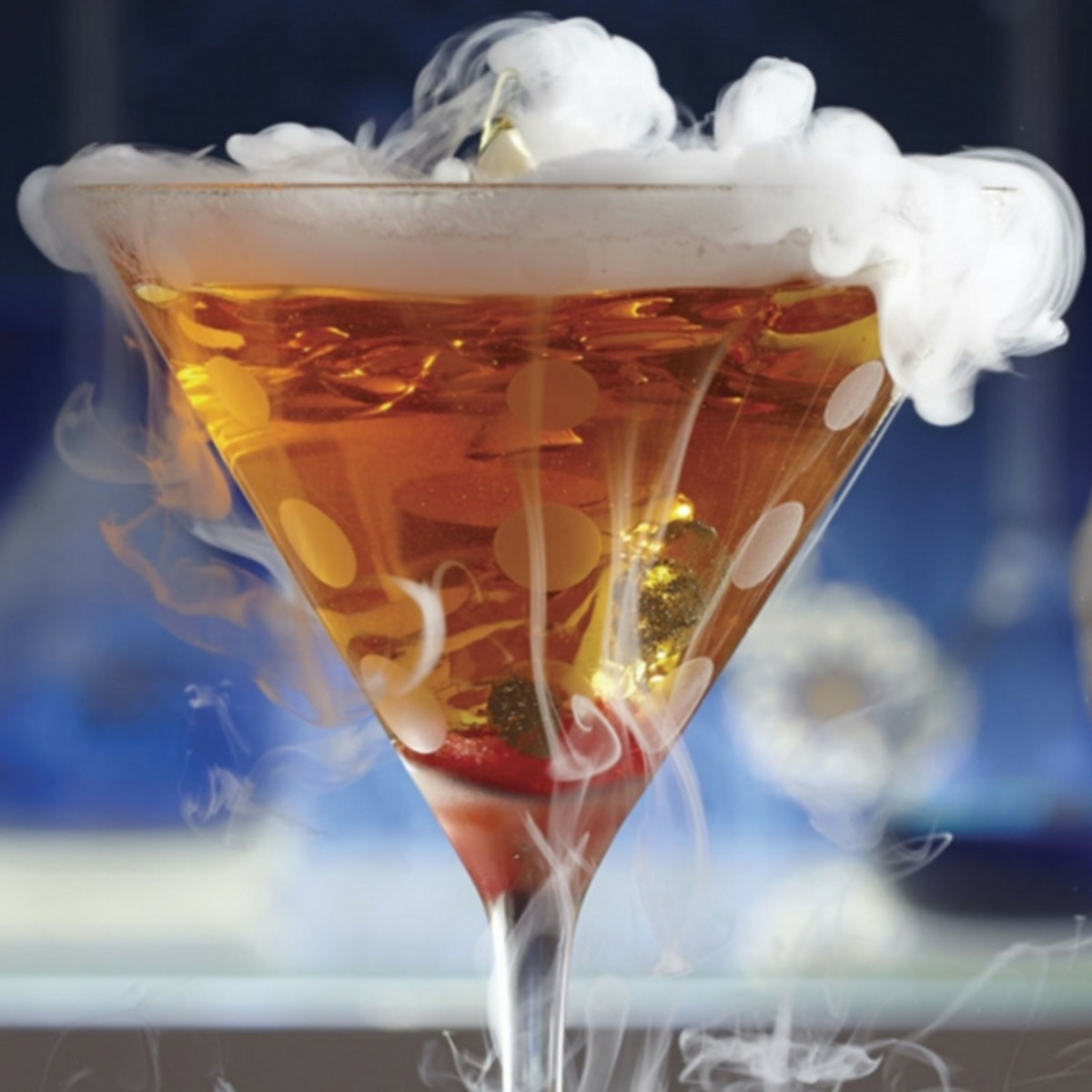 Halloween cocktails with dry ice