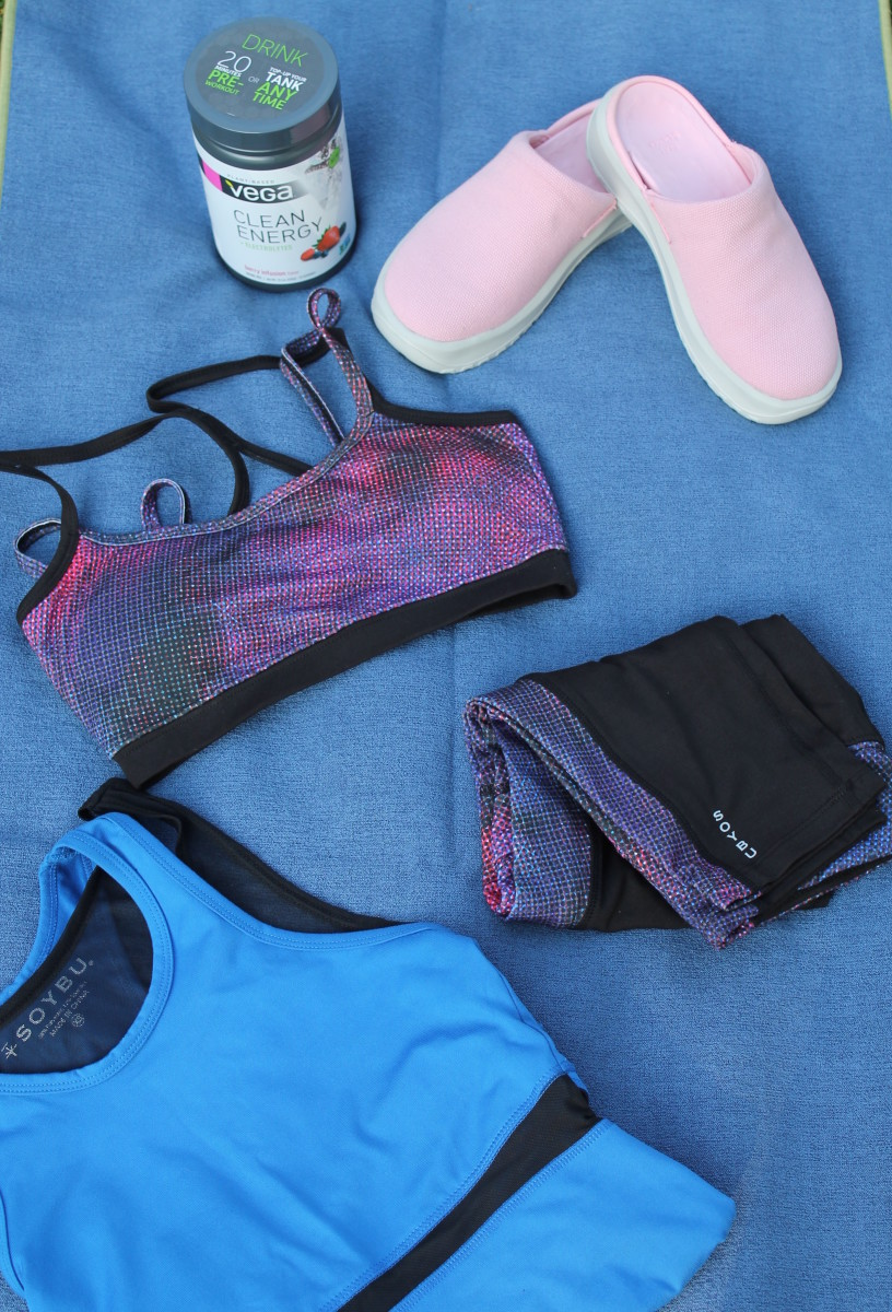 yoga must haves, yoga trends, soft science, clogs , soybu, yogitoes, manduka