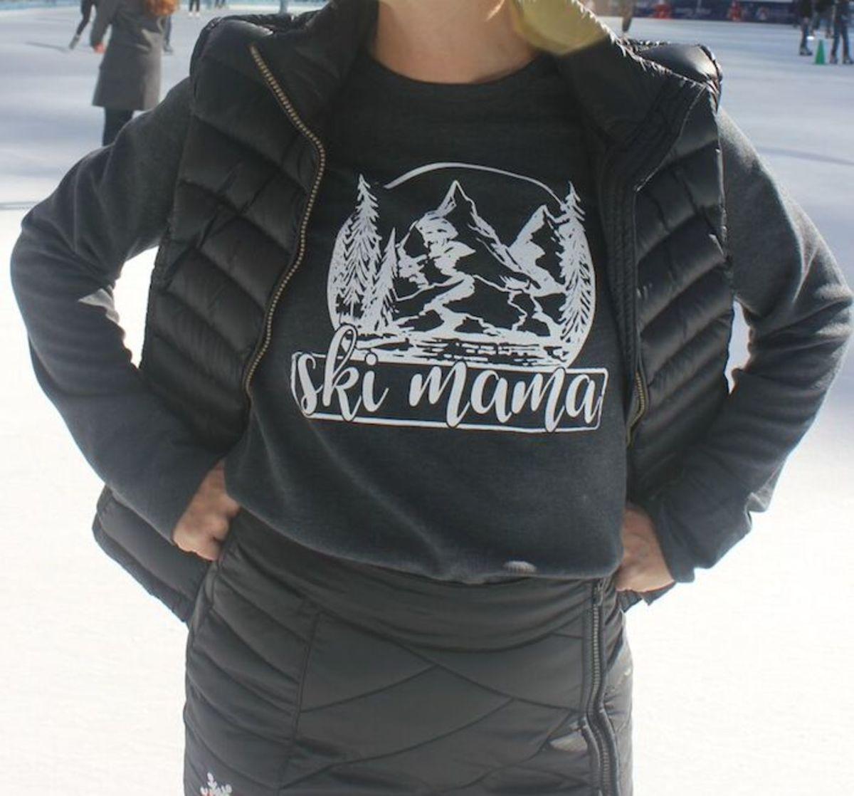 cute ski mama tee