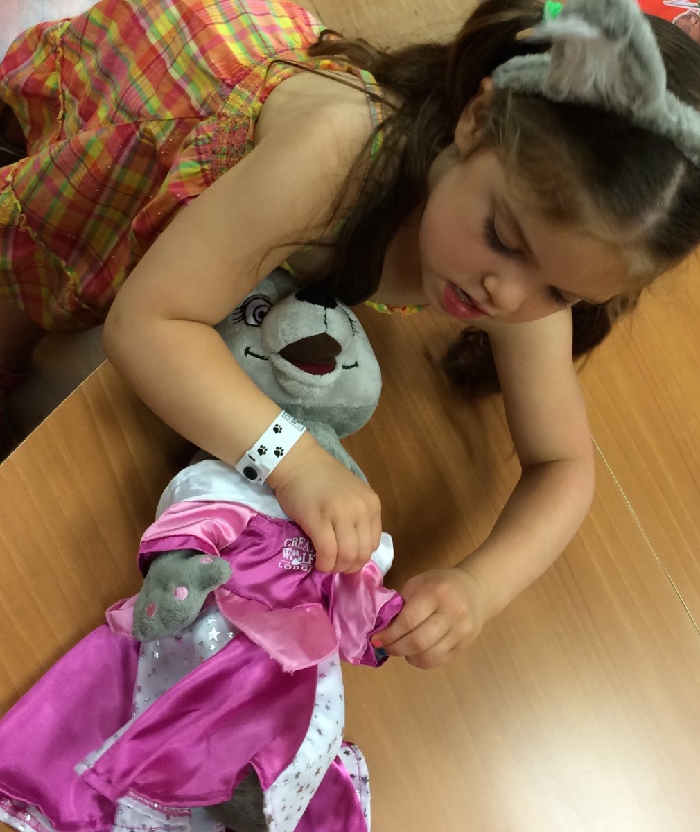 build a stuffed animal, great wolf lodge, indoor family resort