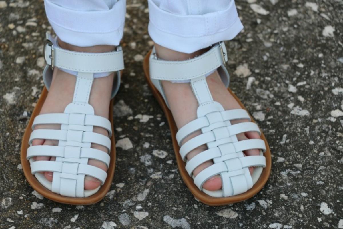 umi white sandals