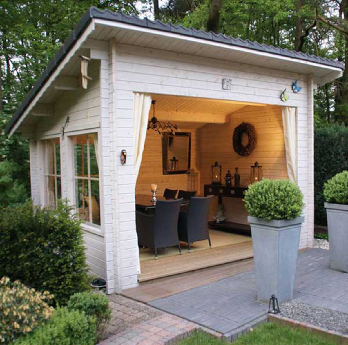 shed dining space