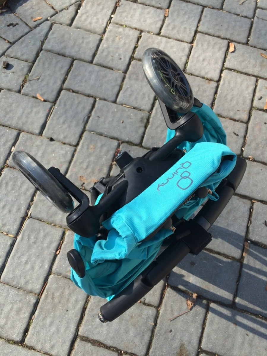 quinny Yezz, travel stroller, compact stroller, easy to fold stroller, lightweight stroller