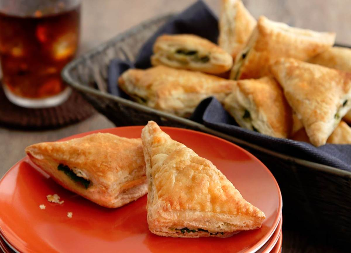 Spinach and Feta Mini-Calzones - low-res