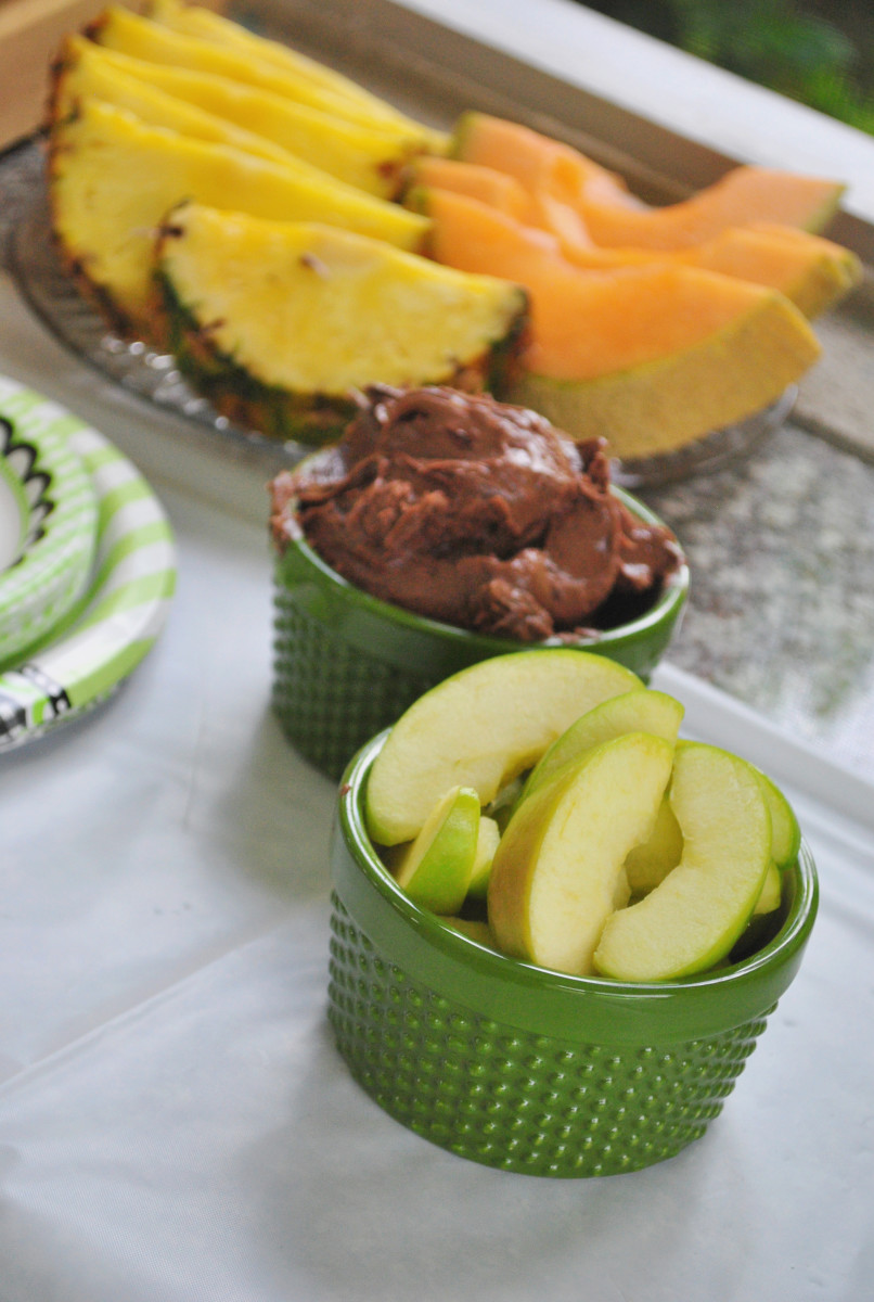 Fresh Fruit and Chocolate Dip