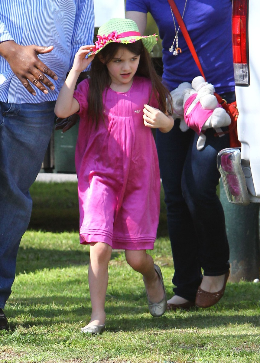 Suri Cruise_Armani Junior