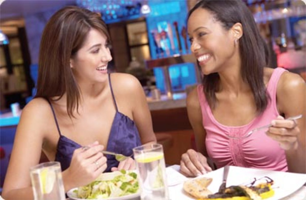 two-women-dining