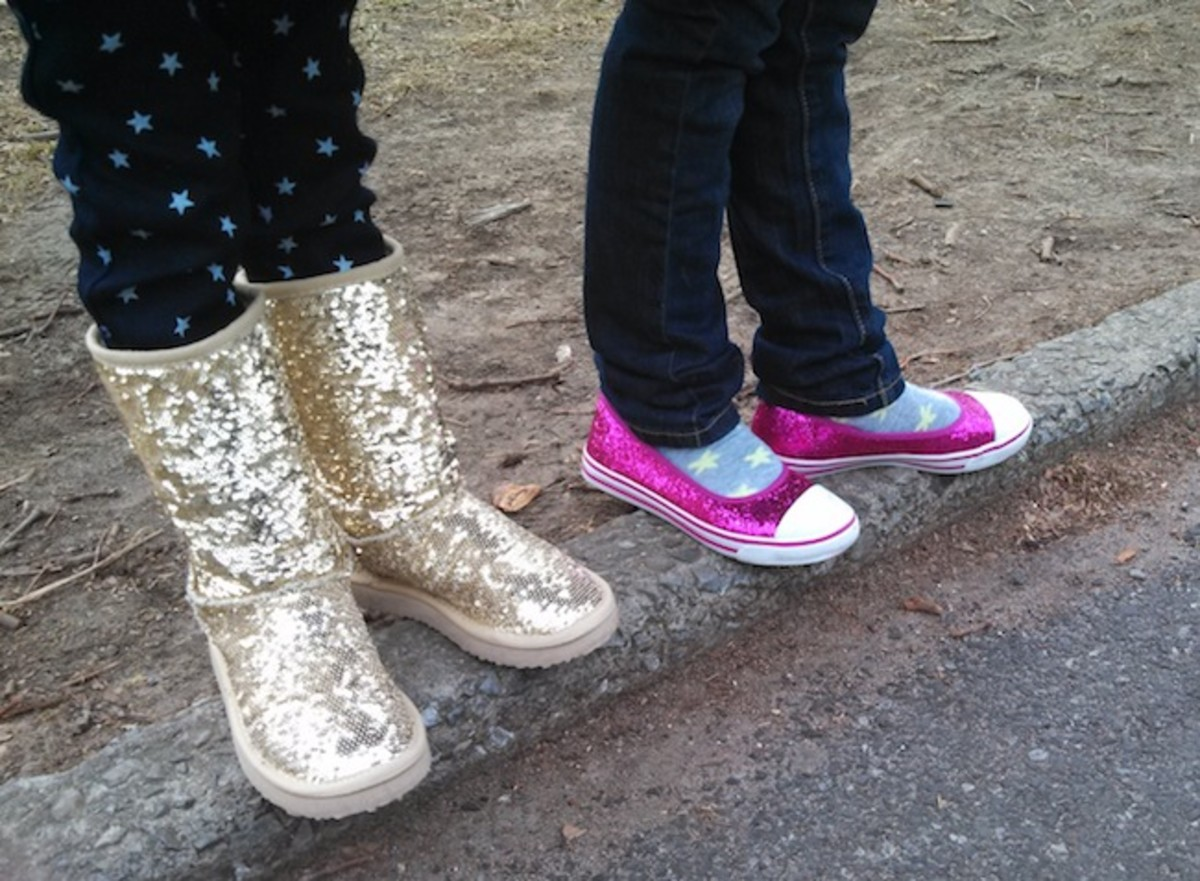 girls sparkle shoes