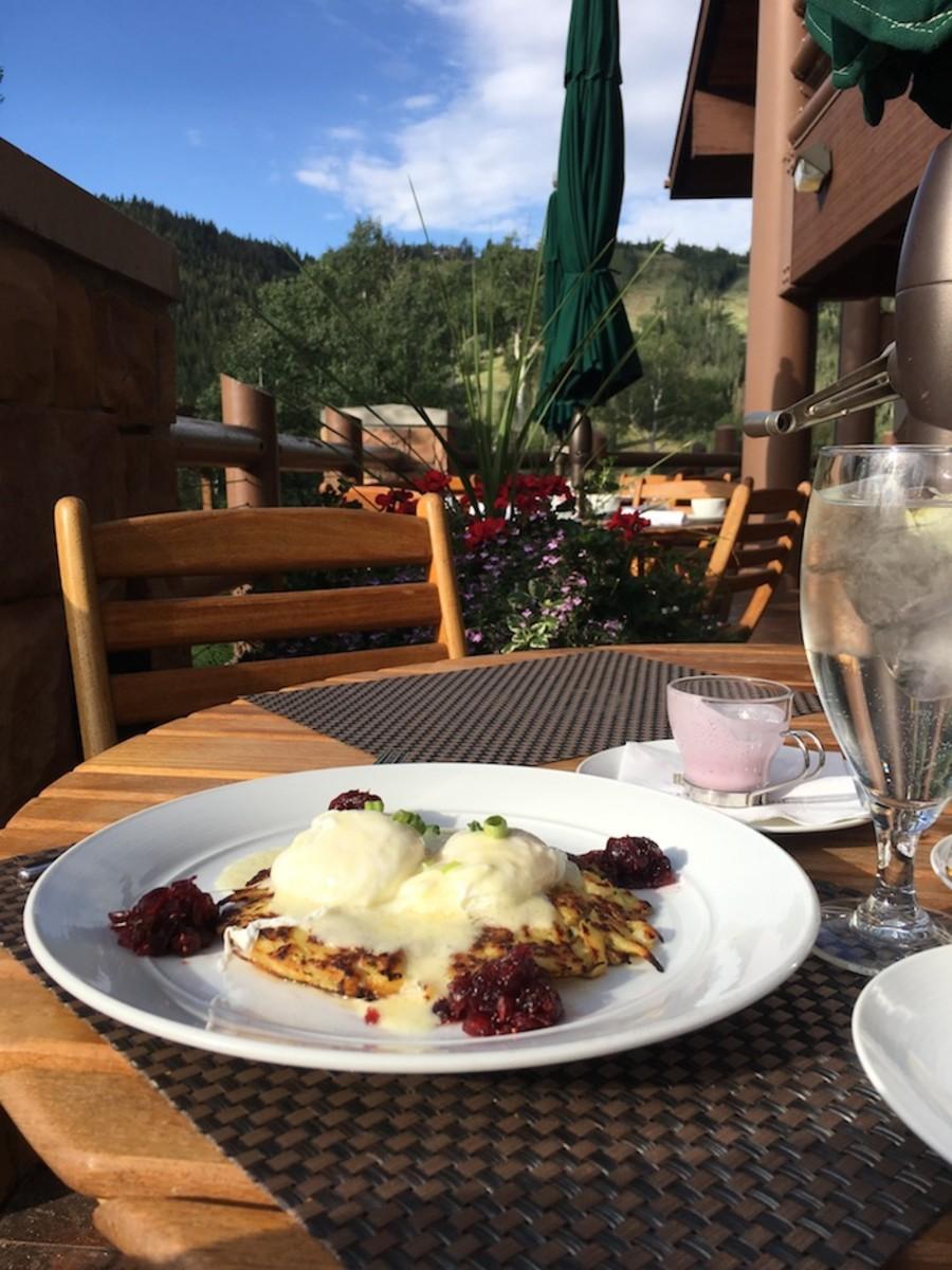breakfast at Stein Lodge