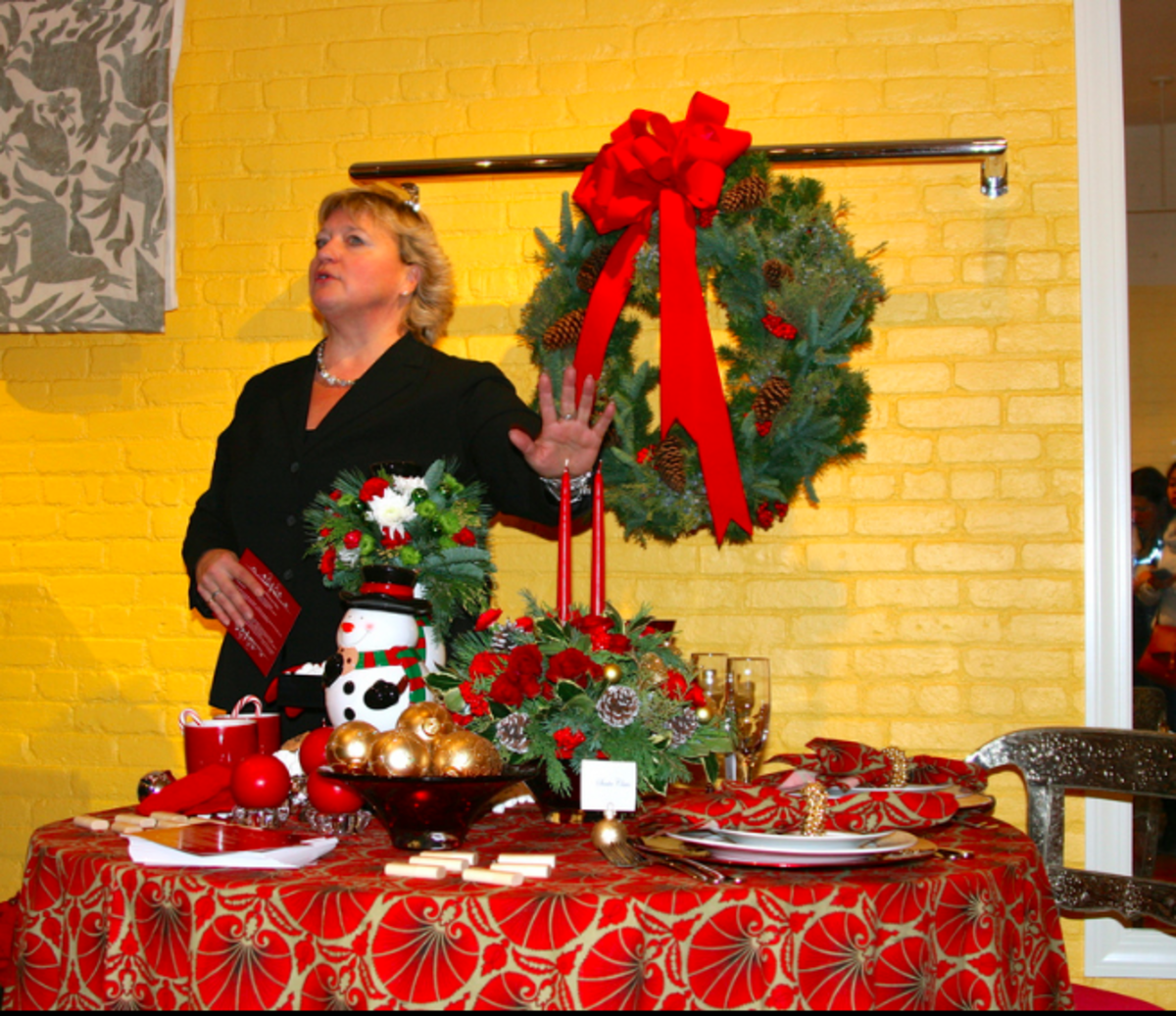 Holiday Entertaining with Momtrends