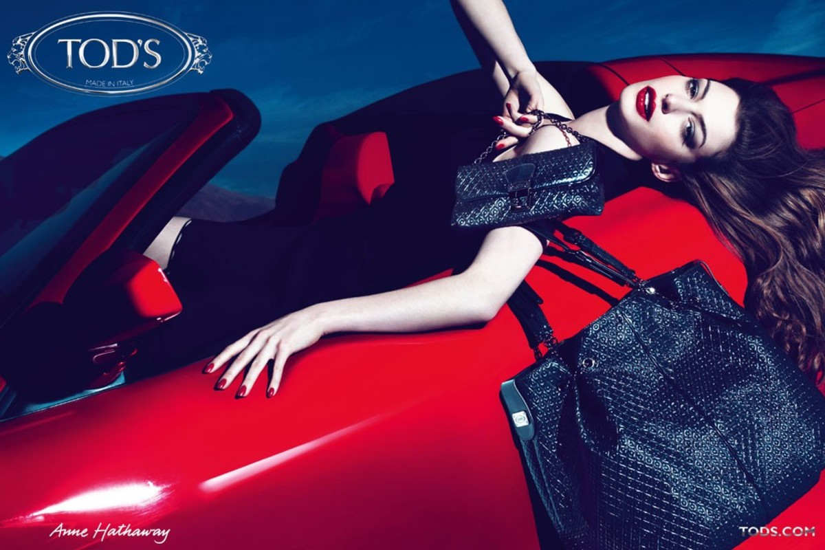 Tods-Fall-2011-Campaign-Featuring-Anne-Hathaway