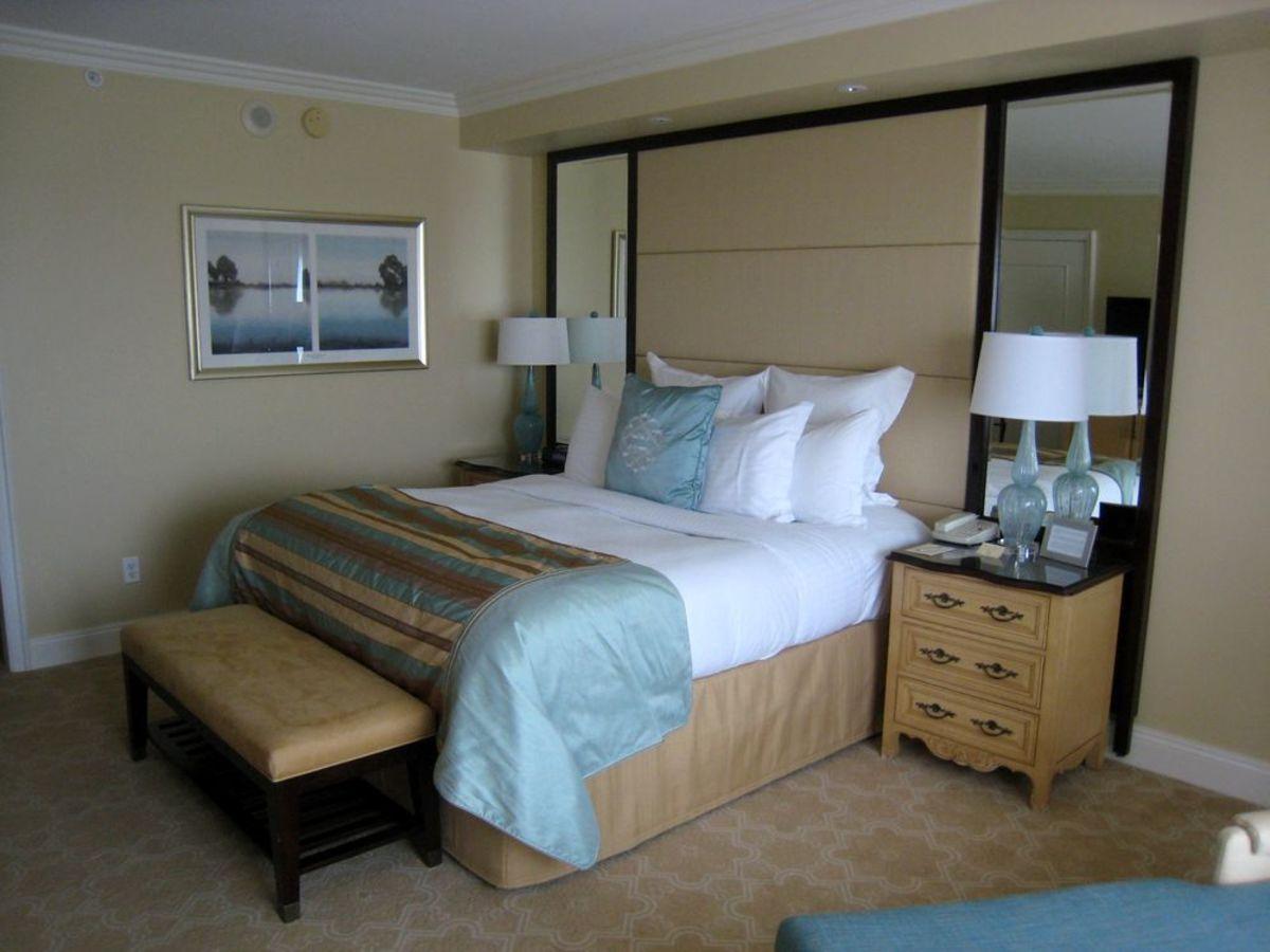 Ritz Carlton Grande Lakes Guestroom