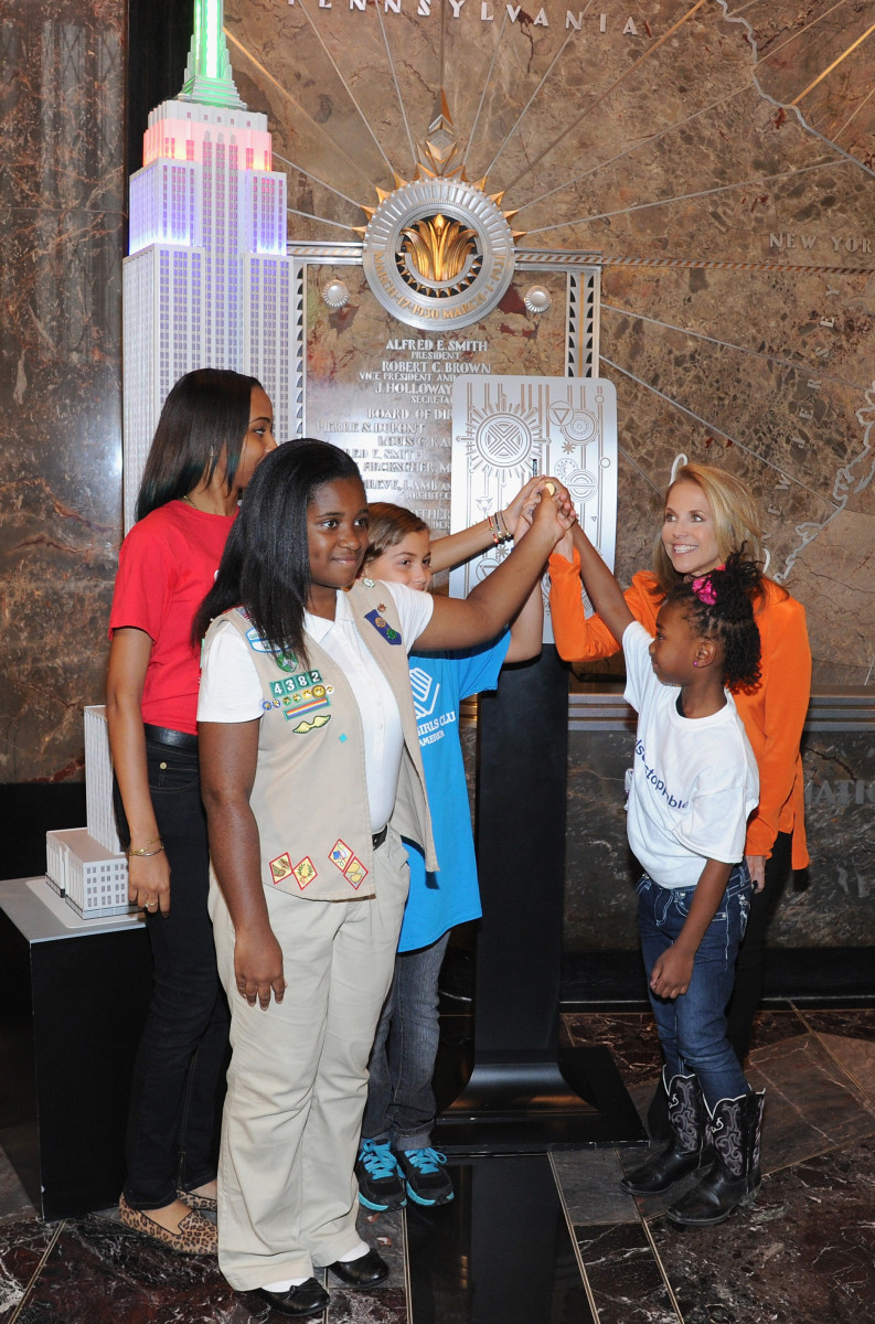 Dove and Katie Couric Take Unstoppable Girls to the Top of the Empire State Building for the 4th Annual Dove Self-Esteem Weekend