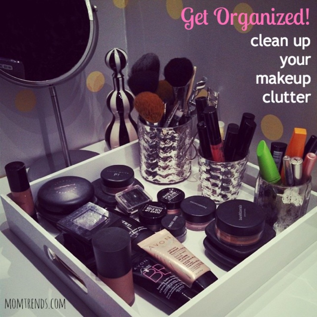 makeup organization, makeup storage, clean up your makeup, organized moms, organize your life, clean up your clutter