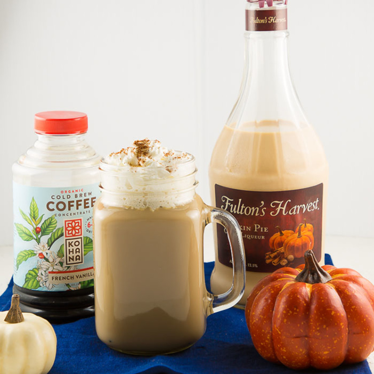 pumpkin pie cold brew cocktail #fallcocktails #cocktails #pumpkinpiecocktail