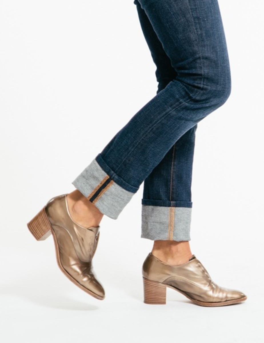trendy fall shoes, metallic oxfords