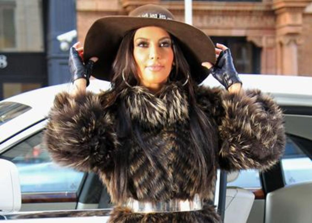 kim-kardashian-fur-coater