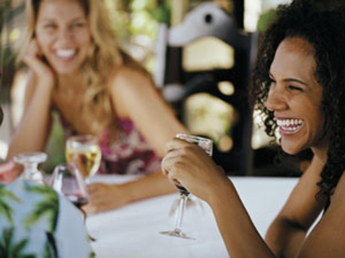 rbk-women-drinking-wine-1-0711-mdn