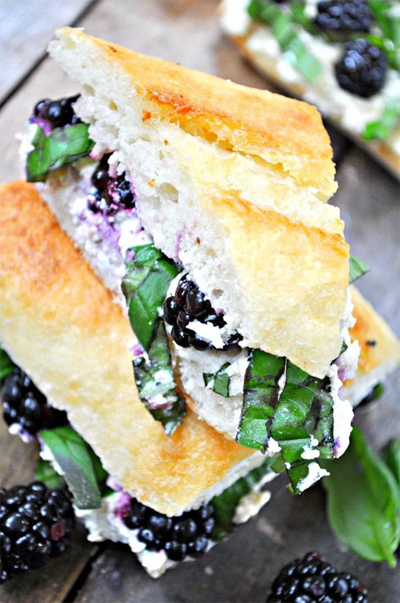sandwich blackberry